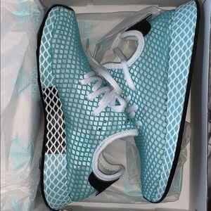 Adidas Deerupt Runner shoes size 7